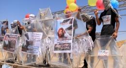 الاحتلال يشرعن استهداف مطلقي الطائرات الورقية