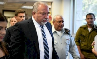 ليبرمان: إسرائيل تشهد شللا حكوميا وتآكلا لقوة الردع