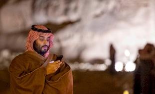 """من هم كبار شخصيات العالم الذين تلقوا رسائل """"واتس آب"""" من  ولي عهد السعودية"""