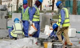 """عمال مونديال قطر بلا أجور لأشهر و""""تحت التهديد"""""""