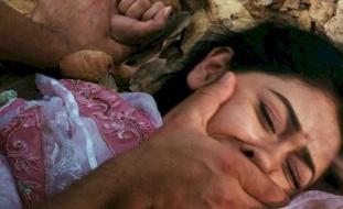 وحش بشري...أب يقتل ابنته الشابة بطريقة مروعة