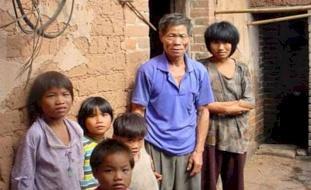 """ملايين """"الفقراء الجدد"""".. كورونا ينذر بأرقام اقتصادية مخيفة"""