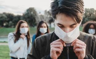 دراسات تكشف سر ارتفاع معدل الإصابة بفيروس كورونا بين الرجال