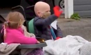 فيديو: استقبل كالأبطال.. طفل يهزم السرطان وكورونا ويخرج منتصرا