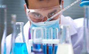 في خطوة كبيرة نحو تطوير العلاج..العلماء يحققون اكتشافا رائدا يمنع عدوى كورونا