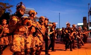 أمريكا تنشر مزيداً من القوات للتعامل مع الاحتجاجات