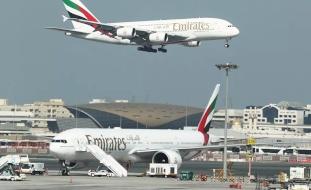 طيران الإمارات تعتزم تسريح 9000 موظف
