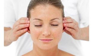 6 فوائد صحية مدهشة لتدليك الأذن يوميا