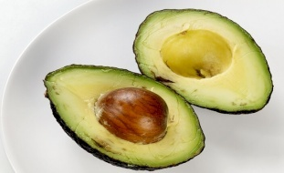 الأفوكادو.. يدمر الكوليسترول الضار في أجسادكم