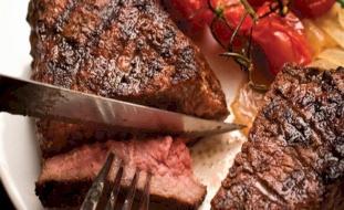 ماذا يحدث لجسمك بعد التوقف عن تناول اللحم نهائيًا؟