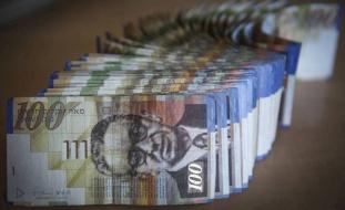 رسمياً.. إسرائيل تقرر سرقة 600 مليون شيكل من أموال المقاصة