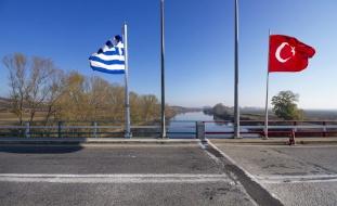 اتفاق بين اليونان وتركيا لتجنب الصدام بالمتوسط