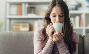 سبب هام لوجوب شرب القهوة بعد الإفطار وليس قبله!
