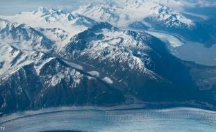 تحذير من تسونامي عقب زلزال قوي يضرب ألاسكا