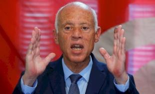 مستشار نتنياهو يسخر من الرئيس التونسي