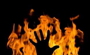 أبلغت عنه الشرطة..مصر: لص يقتل مسنة حرقاً