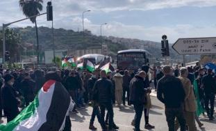 فيديو- الداخل المحتل: تظاهرات احتجاجية على تواطئ الشرطة مع الجريمة