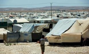 الأردن يبدأ تطعيم اللاجئين ضد كورونا