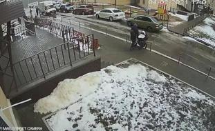 فيديو| رجل ميّت يقتل رضيعاً بعمر 5 أشهر!