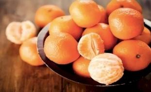 أطعمة تحتوي على فيتامين C أكثر من البرتقال