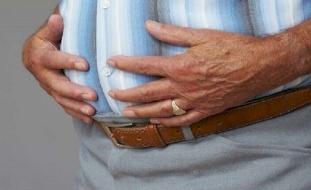 انتفاخ البطن قد يكون من أعراض مرض خطير!