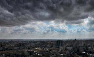 الطقس: استمرار تأثير المنخفض اليوم وارتفاع ملموس غداً