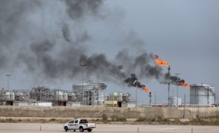 العراق يتوقع أن يصل النفط إلى 80 دولارا
