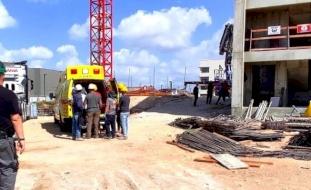 إصابة خطيرة لعامل بالقرب من كفر قاسم