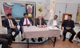 الهباش يلتقي ممثلي الجالية الفلسطينية في الجزائر
