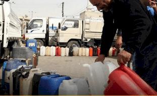 تكاليف إضافية للحصول على المازوت المدعوم في مخيم درعا ومطالب بعودة الصهاريج