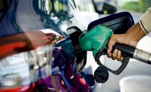 """محطات الوقود تشل سيارات الحكومة """"المدنية والعسكرية""""!"""