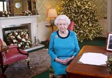 لماذا تحتفل ملكة بريطانيا بعيد ميلادها مرتين في العام؟