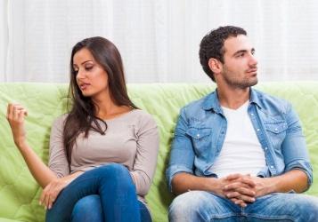 زوجي لا يحب الرومانسية: كيف أتصرف معه؟