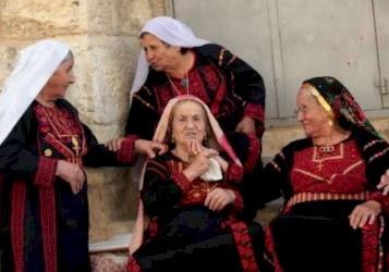غناء نساء فلسطينيات .. تراث الاعراس
