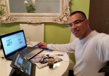 رسالة بين طالب لبناني وافيخاي ادرعي تتسبب في اعتقاله