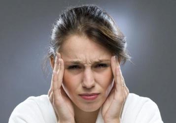 علاجات بسيطة لتخفيف معاناة المراهقات من الصداع النصفي !