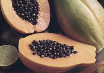 هل تعرف الفاكهة ذات الغلاف الأخضر؟
