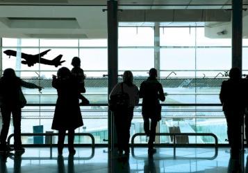 أوبئة تهدد حياة الملايين..  ما علاقة الطائرات؟