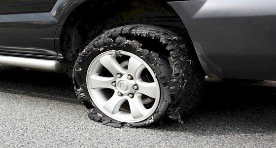 خطوات للسيطرة على سيارتك فى حالة انفجار أحد الأطارات