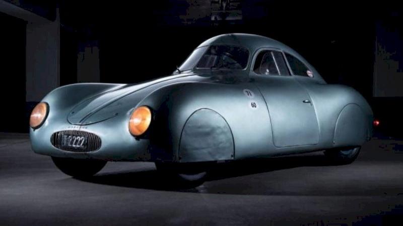 اقدم سيارة بالتاريخ تعرض للبيع والسعر خيالي