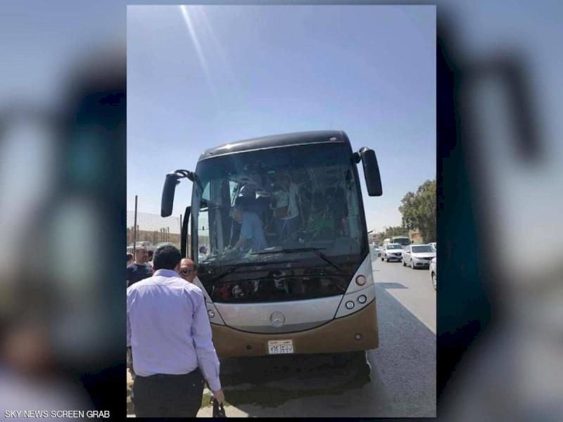 مصر: انفجار عبوة ناسفة في حافلة سياحية
