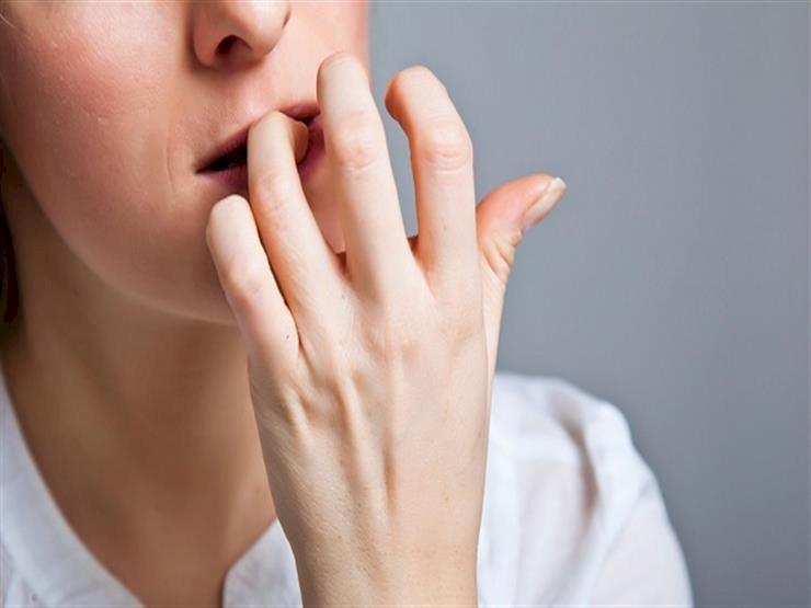 ما هي أسباب أكل وقضم الأظافر؟