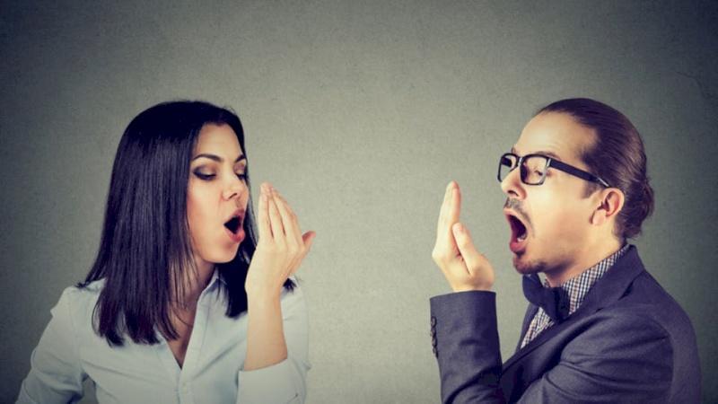 هل تعاني من رائحة الفم الكريهة؟.. إليك هذه الحلول