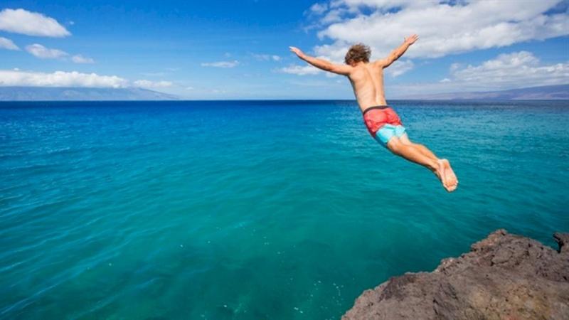 جنون القفز بالماء