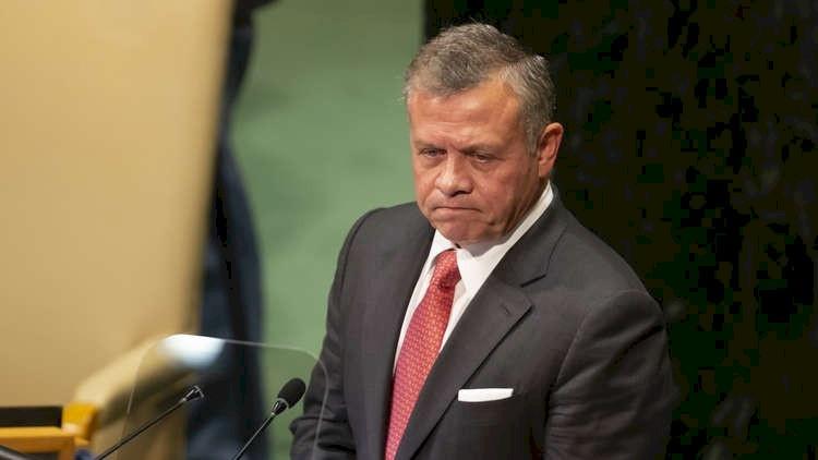 ملك الأردن يتخفى في دائرة حكومية بعمان
