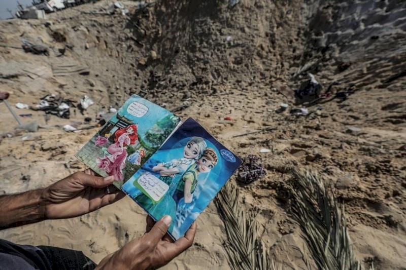 """جيش الاحتلال: قتلنا عائلة من 8 أفراد في غزة """"بالخطأ"""""""
