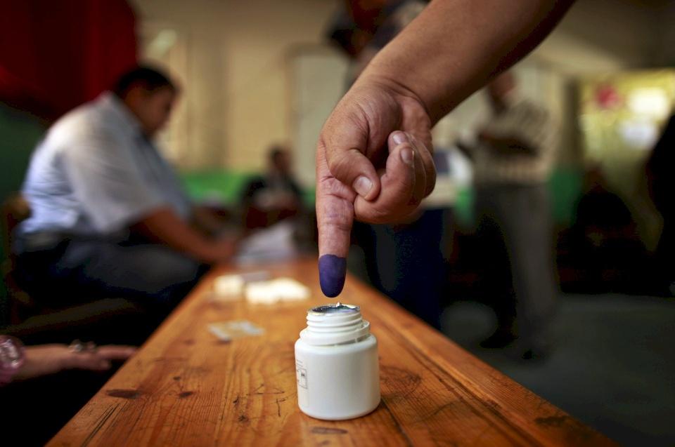 """خاص  """"المادة 8"""" .. ستَحرِم عشرات الآلاف من الترشح للانتخابات.. وفتح ستقع في ورطة!"""