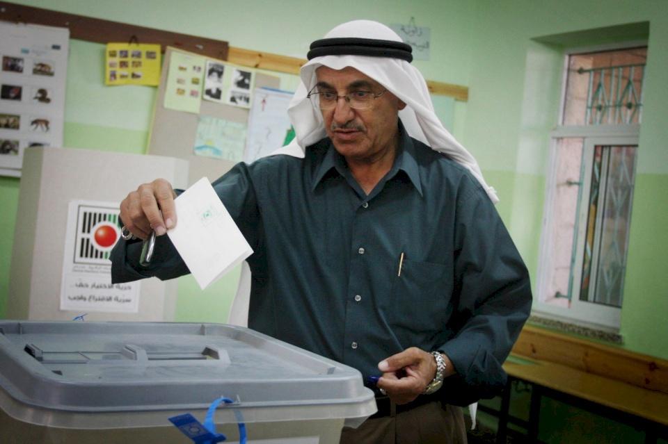الحكومة: نسبة التسجيل بالانتخابات غير مسبوقة في العالم