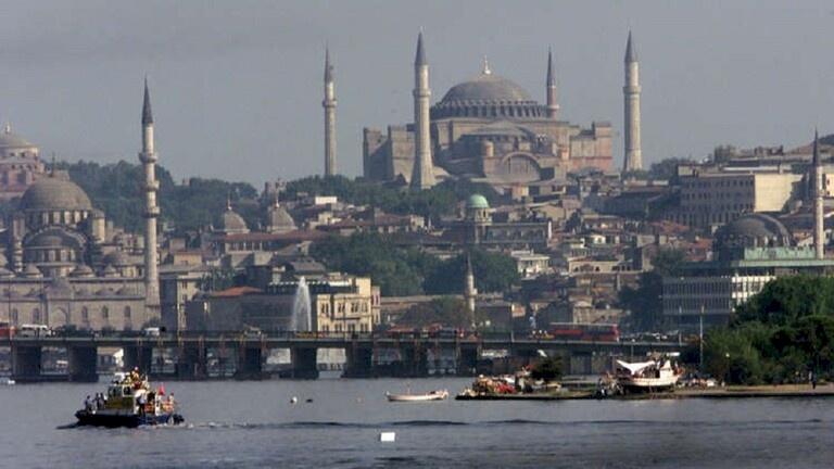 آلاف الإسرائيليين يتوجهون لتركيا- ما القصة؟