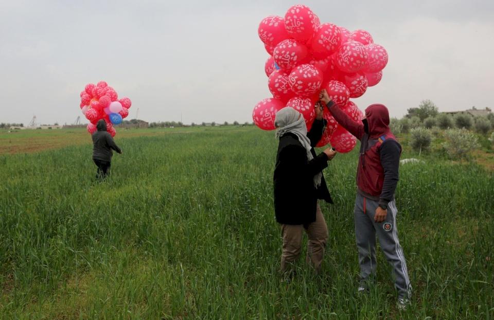 إسرائيل: عشرات البالونات المفخخة أطلقت من قطاع غزة اليوم